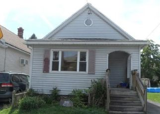 Foreclosed Home in Buffalo 14218 CENTER ST - Property ID: 4432619349