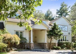 Foreclosed Home in Tenafly 07670 DEVON RD - Property ID: 4432652194