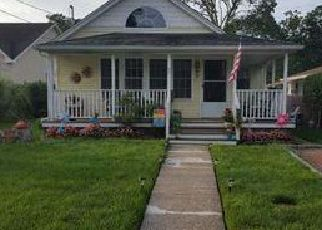 Foreclosed Home in Mastic Beach 11951 EDGEWATER DR - Property ID: 4433018343