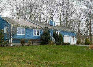 Foreclosed Home in Bristol 02809 CEDAR DR - Property ID: 4433092364