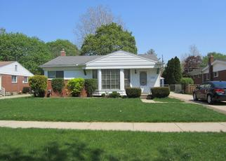 Foreclosed Home in Livonia 48152 ROUGEWAY ST - Property ID: 4433197930