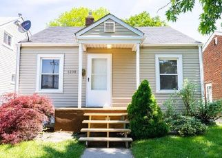 Foreclosed Home in Lincoln Park 48146 WHITE AVE - Property ID: 4433198351