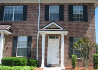 Foreclosed Home in Jacksonville 32225 FIELDVIEW DR - Property ID: 4433277181