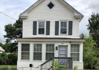 Foreclosed Home in Paulsboro 08066 W WASHINGTON ST - Property ID: 4433348583