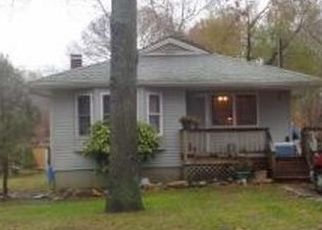 Foreclosed Home in Mastic 11950 MASTIC BLVD - Property ID: 4433551358
