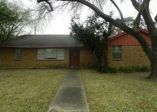 Foreclosed Home in Houston 77061 GLENLEA ST - Property ID: 4433830798