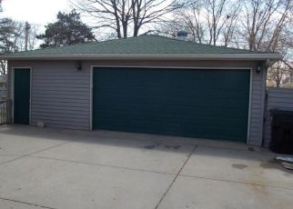 Foreclosed Home in Anoka 55303 BRYANT AVE - Property ID: 4433847879
