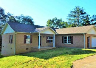 Foreclosed Home in Sevierville 37876 MAPLEWOOD CIR - Property ID: 4433863191