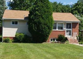 Foreclosed Home in Gwynn Oak 21207 ROYAL COURT DR - Property ID: 4433920578