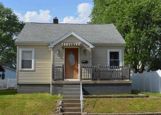 Foreclosed Home in Evansville 47712 HILLCREST TER - Property ID: 4433969179