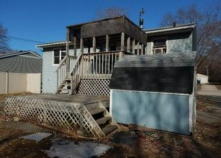 Foreclosed Home in Waterloo 50703 CLOVERDALE AVE - Property ID: 4433981450
