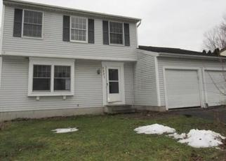 Foreclosed Home in Walworth 14568 EVERGREEN CIR - Property ID: 4434001601