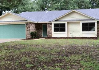 Foreclosed Home in Pensacola 32526 CAVALLA LOOP - Property ID: 4434109338