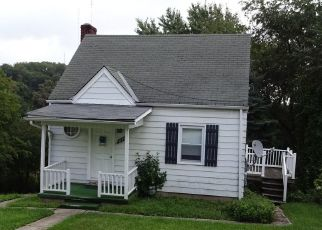Foreclosed Home in Pittsburgh 15227 CLOVERFIELD DR - Property ID: 4434145248