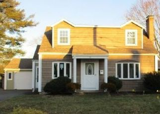Foreclosed Home in Pawtucket 02861 KIRK DR - Property ID: 4434196944