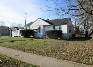 Foreclosed Home in Redford 48240 MACARTHUR - Property ID: 4434248172