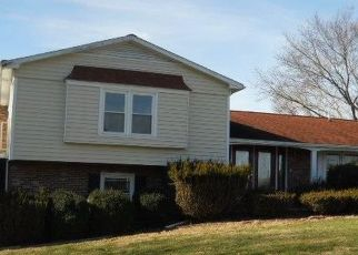Foreclosed Home in North Tazewell 24630 SHEWEY ST - Property ID: 4434289345