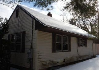Foreclosed Home in Wells 04090 SANFORD RD - Property ID: 4434296347