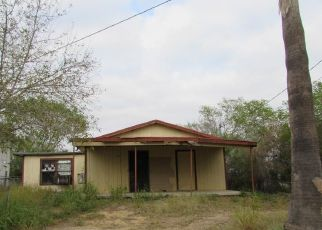 Foreclosed Home in Zapata 78076 ATWOOD LN - Property ID: 4434314761