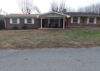 Foreclosed Home in Celina 38551 WALNUT AVE - Property ID: 4434350671