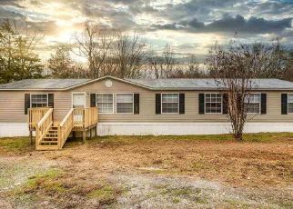 Foreclosed Home in Tellico Plains 37385 BOB PAYNE RD - Property ID: 4434369499