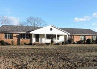 Foreclosed Home in Memphis 38135 ELLENDALE RD - Property ID: 4434372116