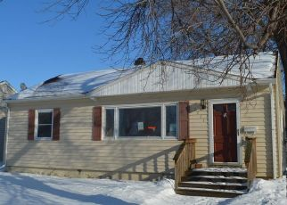Foreclosed Home in Aberdeen 57401 S 2ND ST - Property ID: 4434387901