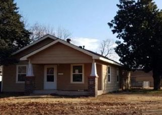 Foreclosed Home in Chickasha 73018 S 20TH ST - Property ID: 4434501325