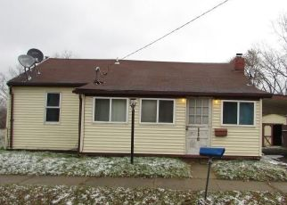 Foreclosed Home in Pontiac 48342 OMAR ST - Property ID: 4434574918