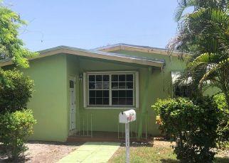 Foreclosed Home in Miami 33162 NE 180TH ST - Property ID: 4434662501