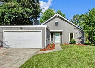 Foreclosed Home in Jacksonville 32244 CARISSA CT - Property ID: 4434704550