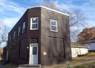 Foreclosed Home in Boonville 65233 SPRUCE ST - Property ID: 4434750988