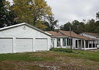 Foreclosed Home in Warrenton 63383 COUNTRY OAK LN - Property ID: 4434752733