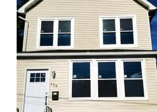 Foreclosed Home in Staten Island 10303 LOCKMAN AVE - Property ID: 4434764104