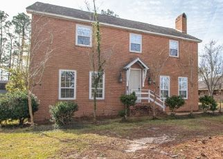 Foreclosed Home in Gulfport 39507 S VISTA DR - Property ID: 4434781185