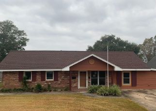 Foreclosed Home in Gulfport 39507 OAK AVE - Property ID: 4434782509