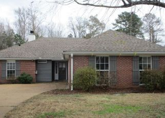 Foreclosed Home in Brandon 39042 WINDCHASE DR - Property ID: 4434806145