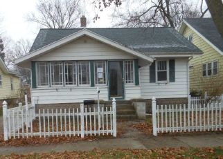 Foreclosed Home in Holland 49423 E 20TH ST - Property ID: 4434857399