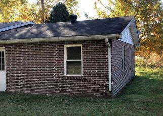 Foreclosed Home in Beattyville 41311 OLD HOPEWELL RD S - Property ID: 4434918724