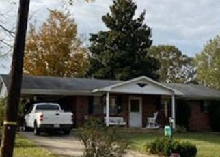 Foreclosed Home in Burnside 42519 E LAKESHORE DR - Property ID: 4434930995