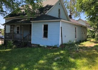 Foreclosed Home in Logansport 46947 HENRY ST - Property ID: 4434975658
