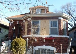 Foreclosed Home in Chicago 60628 S PERRY AVE - Property ID: 4434983988