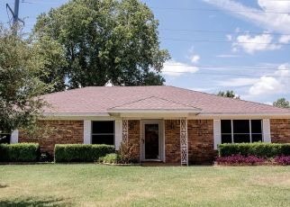 Foreclosed Home in Hurst 76054 SUMMERDALE DR - Property ID: 4435015508