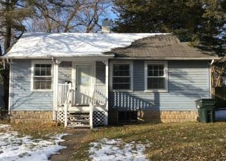 Foreclosed Home in Cedar Rapids 52403 LINN BLVD SE - Property ID: 4435068501