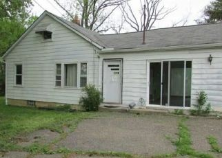 Foreclosed Home in Aurora 44202 TOWNLINE RD - Property ID: 4435084720