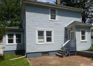 Foreclosed Home in Hempstead 11550 PHOENIX ST - Property ID: 4435220931