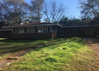 Foreclosed Home in Tuskegee Institute 36088 CAMELLIA ST - Property ID: 4435280484