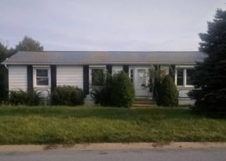 Foreclosed Home in Reading 19608 MAYWOOD AVE - Property ID: 4435423257