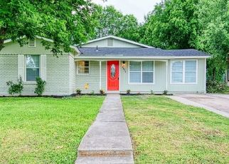 Foreclosed Home in San Antonio 78230 WOODCLIFFE ST - Property ID: 4435494658
