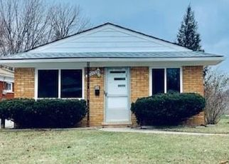 Foreclosed Home in Harper Woods 48225 HOLLYWOOD ST - Property ID: 4435698755